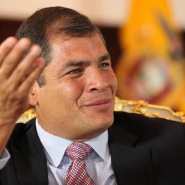 Bolivia se inspira en China y Ecuador en Angola